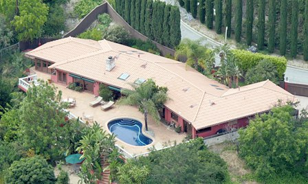 Penelope Cruz's house and home in the West Hollywood Hills..jpg