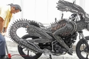 Motocykl jak Predator