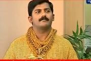 Złota koszula biznesmena