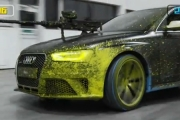 Audi RS 4 uzbrojone w karabiny