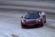 McLaren kontra snowboard