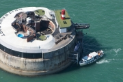 Hotel w forcie na morzu