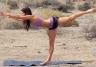 Leilani Dowding ćwiczy jogę
