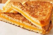 Jak zrobić grzankę z serem?