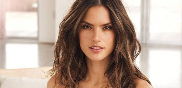 Alessandra-Ambrosio-Victorias-Secret-11ee.jpg