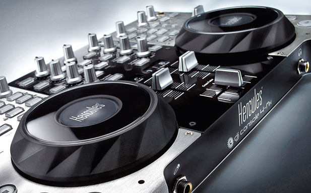 Hercules-DJ-Console-4Mx-clo.jpg