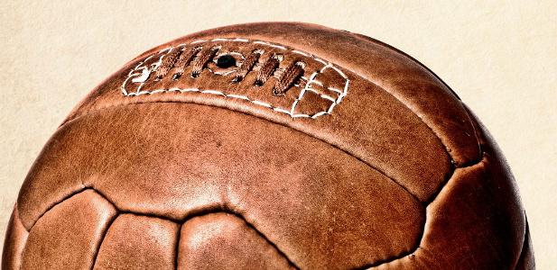 skórzana brązowa piłka nożna