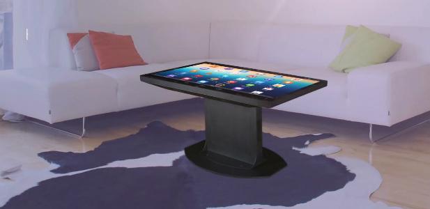 stół z adroidem