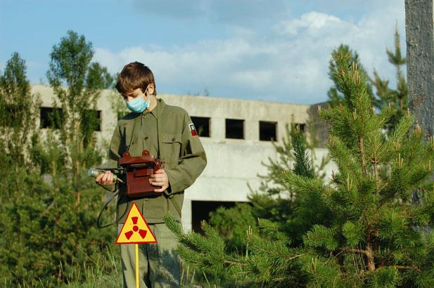5_Nuclear-tourist.jpg