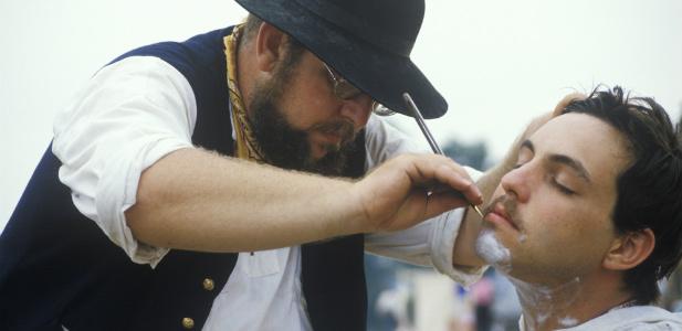golibroda goli brodę