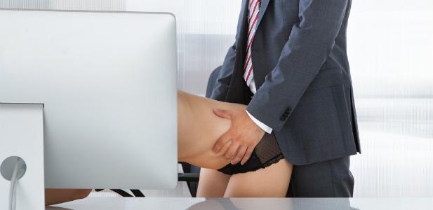 szef uprawiający seks z sekretarką