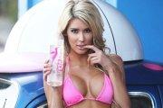 Lexie Marlow w myjni