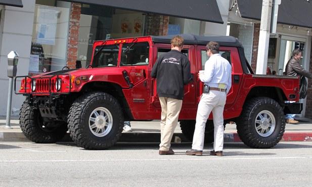 Czerwony Hummer Arnolda Schwarzeneggera