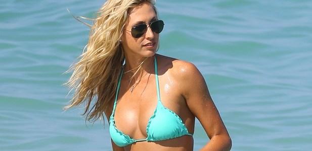 Lauren Stoner w turkusowym bikini