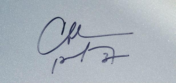 Aston Martin Vanquish z autografami koszykarzy NBA