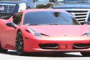Różowy samochodzik Biebera