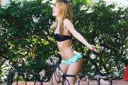 Bella Thorne -  seksowny rudzielec