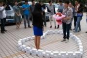 Chińczyk kupił 99 Iphonów żeby się oświadczyć