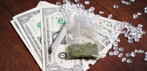 dolary diamenty i marihuana