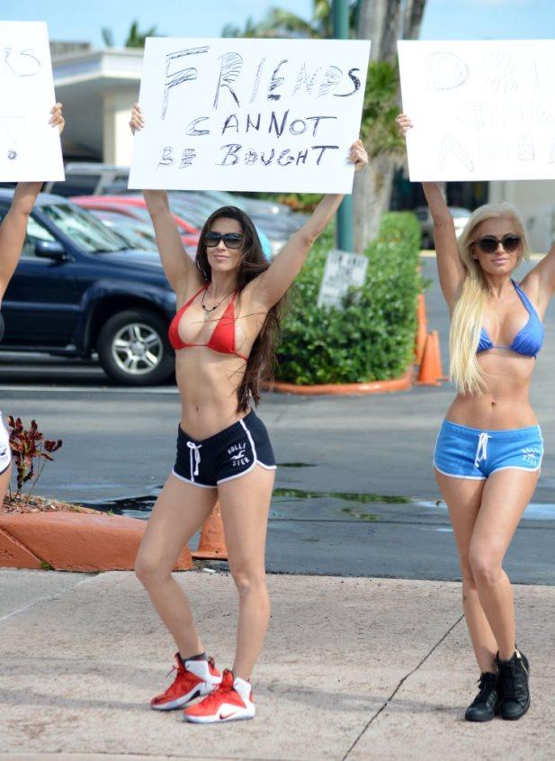 FFN_Bikini_Models_TAC_021615_51654967_midres.jpg