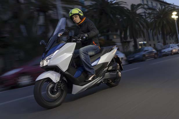 Honda_Forza_125_YM15_6847-1024x682.jpg