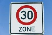Nowe przepisy ograniczą prędkość do 30 km/h