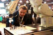 Robot do polewania wódki