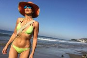 Yasmina Rossi - 59-letnia modelka w bikini