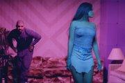Seksowna Rihanna w podwójnym klipie