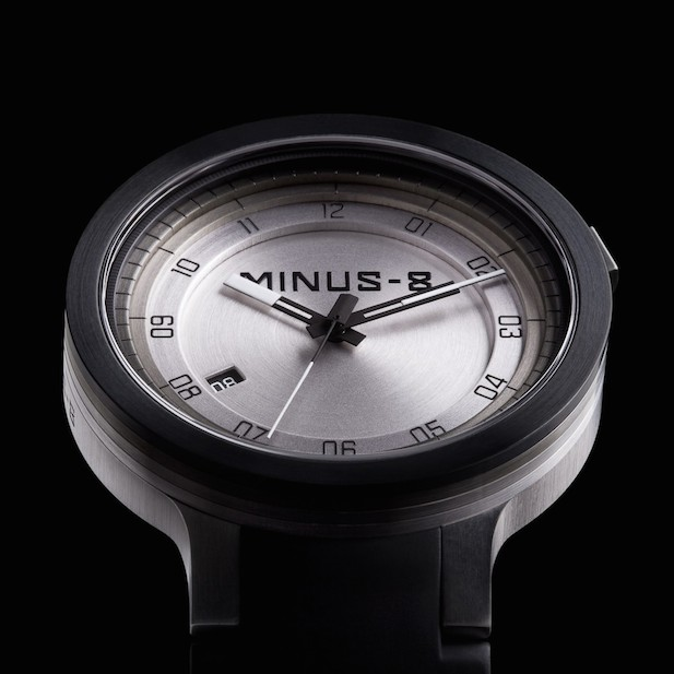 layer-mens-stainless-steel-watch-black-silver1.jpg