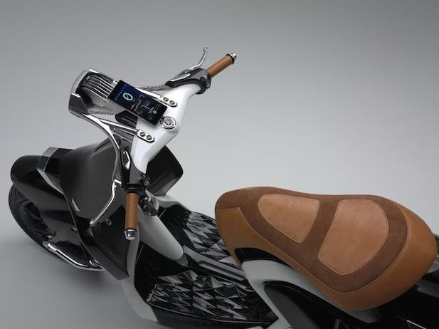 yamaha-2016-04gen-concept-scooter-2.jpg