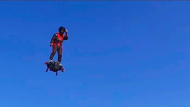 zapata-flyboard-air-flying-platform-11.jpg