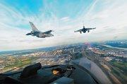 Wideo z kokpitu F-16 w 360 stopniach