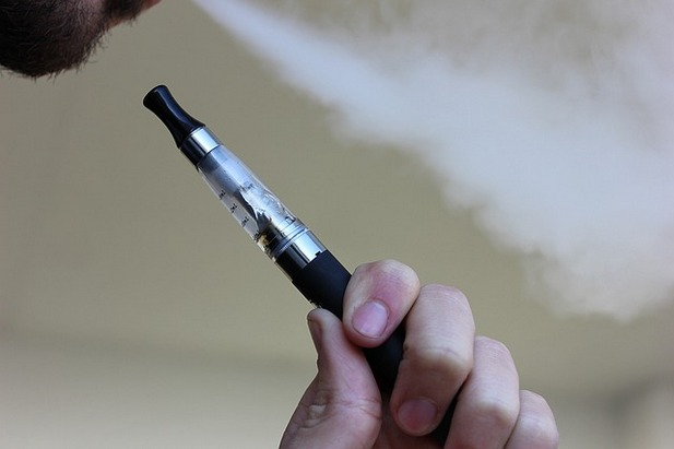 e-cigarette-1301664_640.jpg