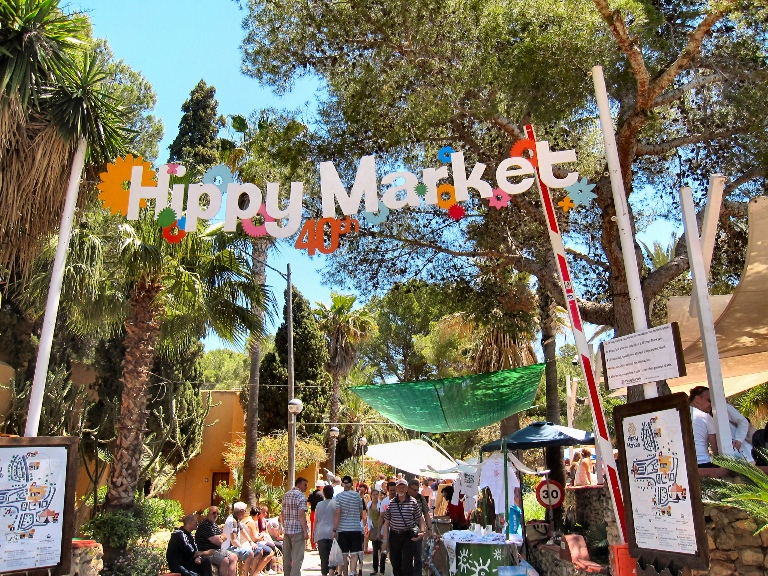 Hippy Market - wej_cie- Ibiza.jpg