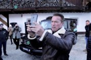 Arnold Schwarzenegger promuje ekologicznego Mercedesa