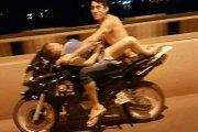 Seks na motocyklu