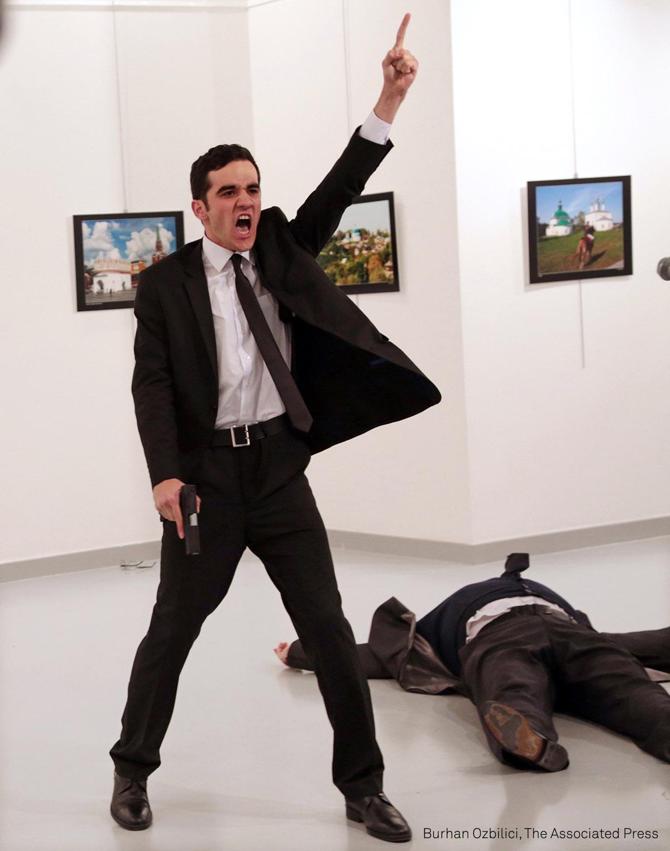 001_Burhan Ozbilici_The Associated Press.jpg