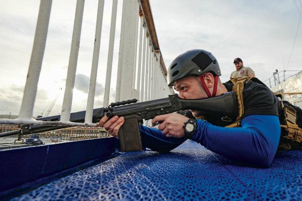 ochroniarze-statkow-esa-ckm.jpg