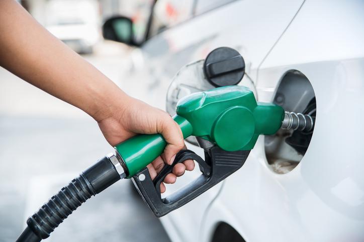 10 sposobow na oszczedzanie paliwa.jpg