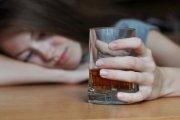Nowy niebezpieczny trend wśród kobiet – drunkoresja