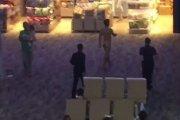 Turysta przedawkował viagrę i chodził nagi po lotnisku