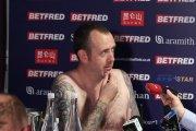 Snookerzysta wystąpił nago na konferencji prasowej, bo… zdobył mistrzostwo świata