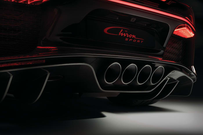 06-bugatti-chiron-sport-exhaust-printjpg.jpg