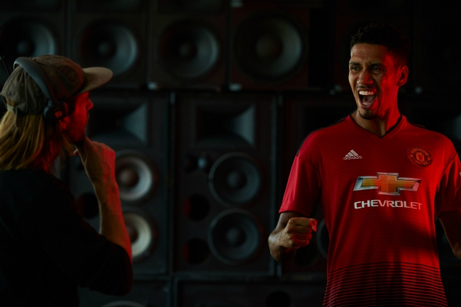 Chivas x Manchester United_SPEAKERS.jpg