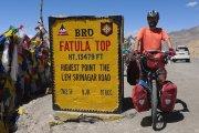 Rowerem przez Himalaje – polski podróżnik pokonał 1300 km przez najwyższe przełęcze świata