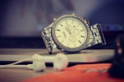 Klasyczny, nowoczesny, a może smartwatch? Przeglądamy modne męskie zegarki