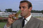 Licencja na chlanie – zdaniem naukowców James Bond jest alkoholikiem