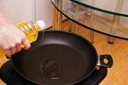 Chemikalia w nieprzywierających patelniach zmniejszają męskie przyrodzenie
