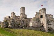 """Zamek z """"Wiedźmina"""" leży w Polsce. Zgadniesz, który?"""